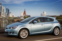 Opel Astra Hečbeks 2010 - 2012 foto 1