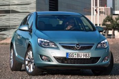 Opel Astra Hečbeks 2010 - 2012 foto 2