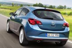 Opel Astra Hečbeks 2012 - foto 1