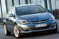 Opel Astra Hečbeks 2012 - foto 2